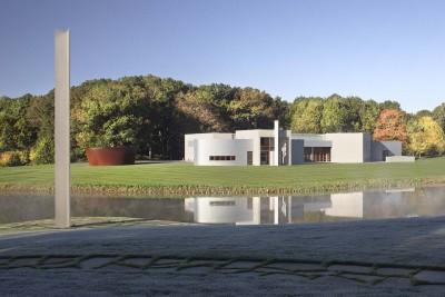 "Left to right: Ellsworth Kelly's ""Untitled,"" 2005; Richard Serra,Sylvester, 2001"