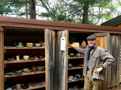 Artist Jeffrey Kirk and his finished work, Photo Courtesy of Glen Echo Park
