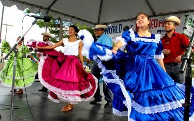 The El Salvador Sister Cities presented the El Salvadoran Dancers.