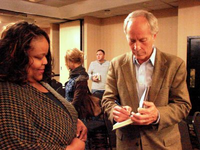 Richard Ford signing books (2015).