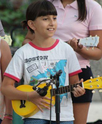 intro beginner ukulele class presented by carpe diem arts