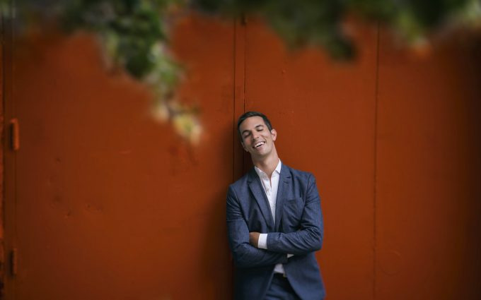 Man of many talents: Ari Shapiro.