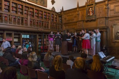 The Six Degree Singers performed in the Folger Shakespeare Library.
