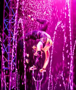 Italian contortionist Sandy Giannuzzi moves with the grace of a dancer.