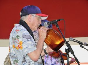The Sunshine Skifel Band will entertain festival-goers with jug band music.