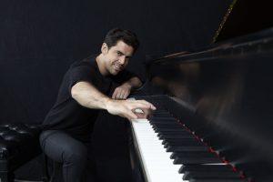 Tony DeSare: I Love A Piano