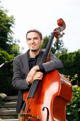 Eliot Seppa, Bass