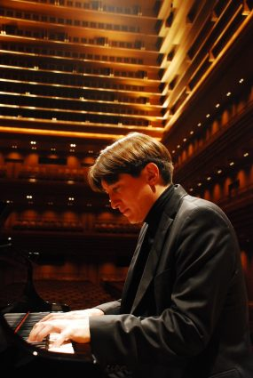 """Pianist Freddy Kempf will play the popular """"Piano Concerto in A Minor"""" by Edvard Grieg, considered Norway's national composer."""