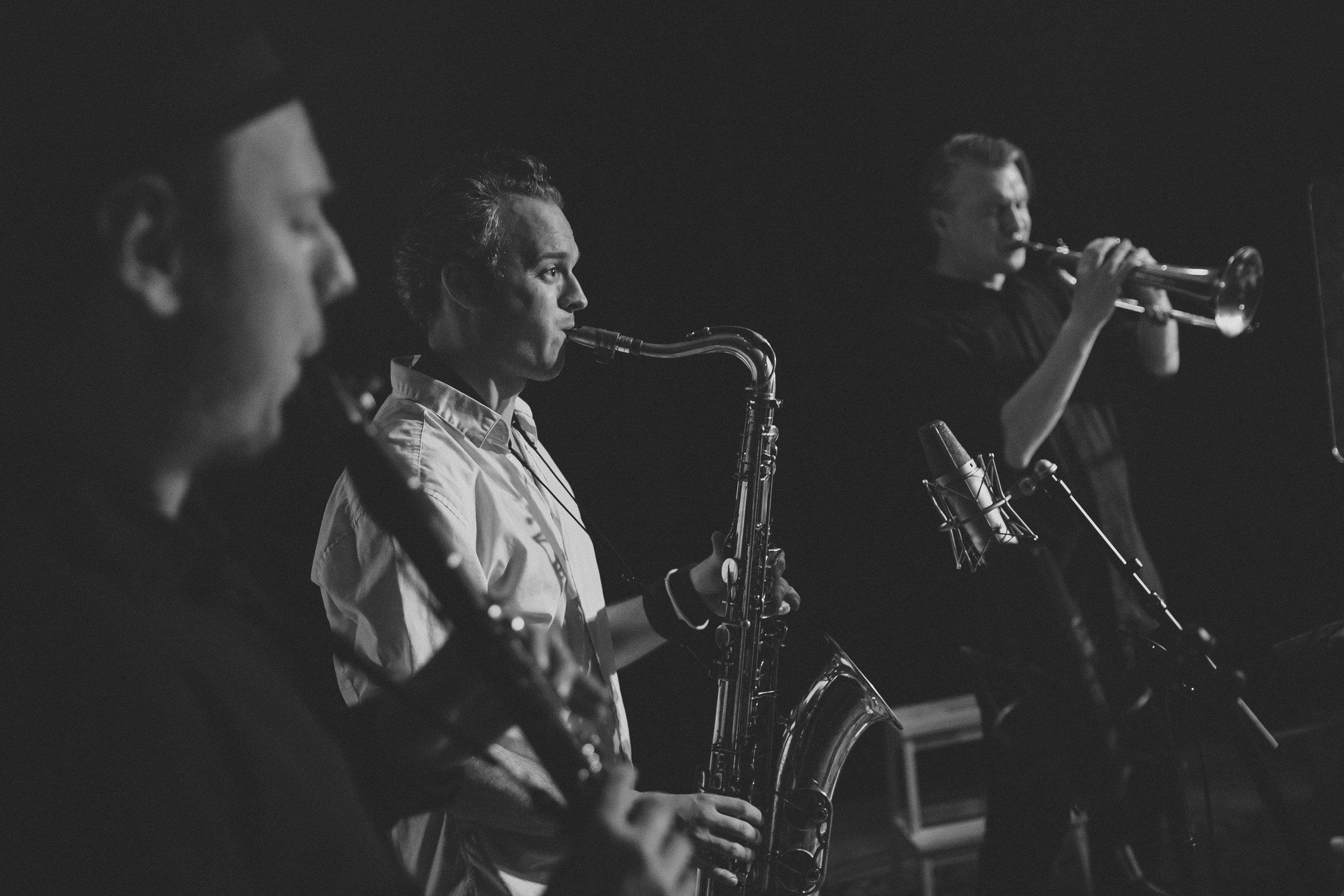 Mames Babagenush band members, from left: Emil Goldschmidt, clarinet; Lukas Rande, saxophone and Bo Rande, flügelhorn.