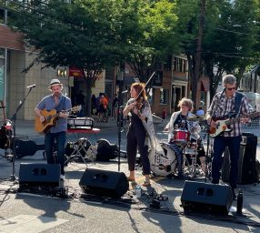 Live Music at the Streetery