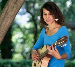 Sheyda Doa, vocalist, pianist & guitarist