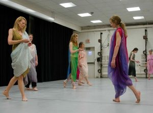 The Art of Making Dance: Composition Class with Wo...